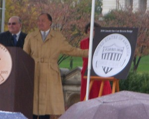 Director Moy unveils the design of the 2010 Lincoln Cent
